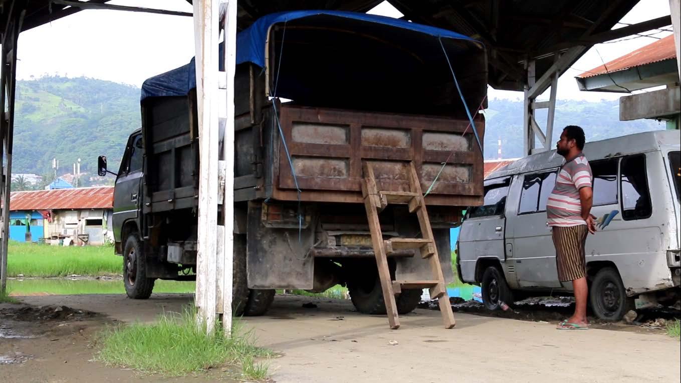 10 film terbaik truk monce papuan voices sebuah cerita tentang seorang sopir truk harian lepas di perusahan kelapa sawit milik tppn ii arso kabupaten keerom papuapak monce berprofesi sebagai altavistaventures Gallery